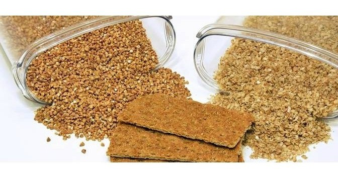 IS IT A GOOD IDEA TO EAT PROTEIN BARS?